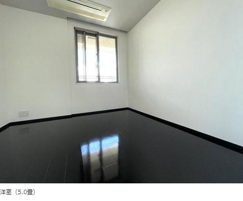 パークコート麻布十番ザタワー:約5.0帖の洋室にはクローゼット・窓が付いております!