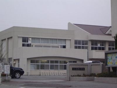 山陽小野田市立厚陽小学校まで1,096m