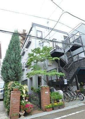 京急空港線「糀谷駅」徒歩圏内のマンションです。