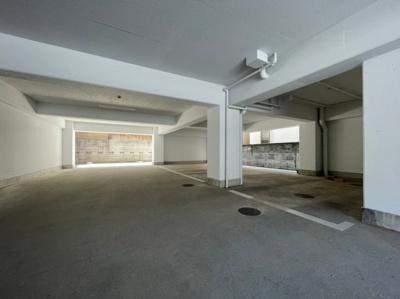 【駐車場】シャトー中道