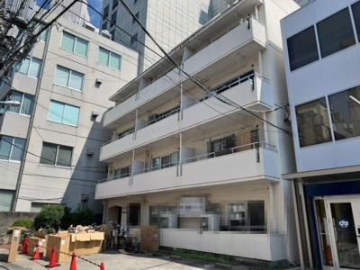 JR山手線「代々木」駅徒歩2分の84.99坪(2021.9.24撮影)。