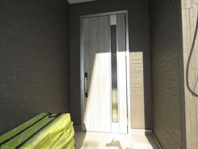 【外観】川越市的場 3LDK+WIC2カ所+カースペース1台 新築戸建