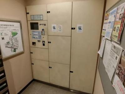 クレストフォルム板橋仲宿の宅配ボックスです。
