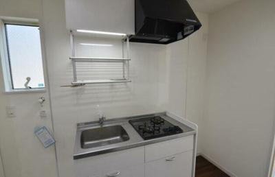 キッチンには2口ガスコンロを設置してあります。