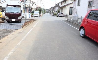 【前面道路含む現地写真】狭山市大字水野 全2棟 1号棟