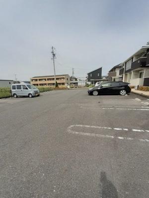 【駐車場】ランドマーク・レーヴA