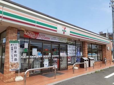 セブンイレブン鈴鹿江島町店まで260m