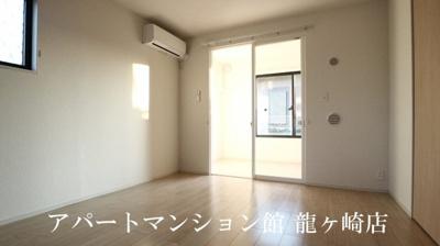 【エントランス】ヴィラ・エレガントα