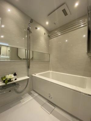 ユニットバス新規交換済 浴室乾燥機付き