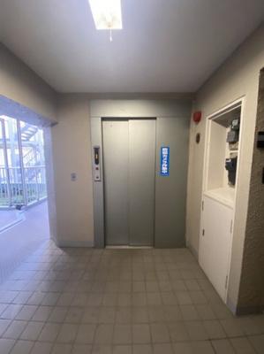 エレベーター1基