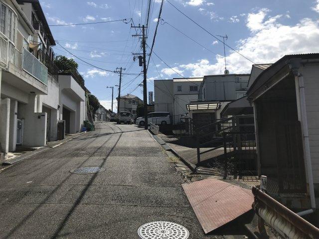 【前面道路含む現地写真】西生田3丁目売地