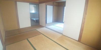 2部屋続きの和室です。