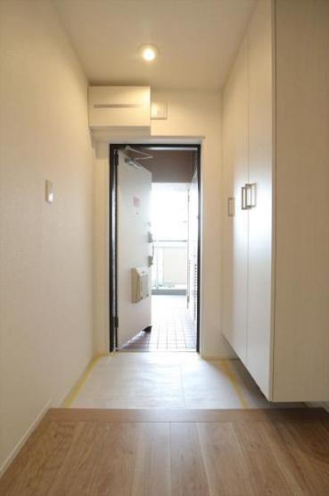 シューズボックス完備で玄関周りがすっきりと片付きます