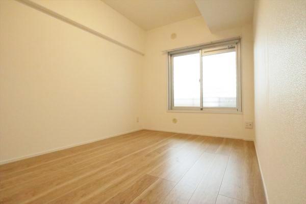 洋室約5.3帖 各居室収納ございます