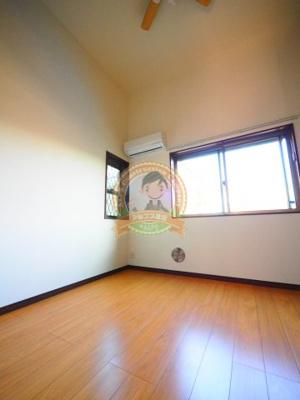 2面採光で開放感のある室内