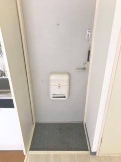玄関です。(同一設備です)