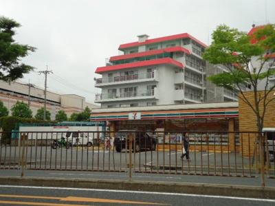 セブンイレブン吹田山田南店まで450m