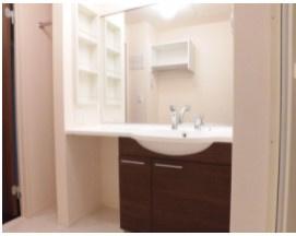 広々とした使いやすい洗面所