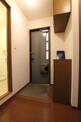 【玄関】フローラ西山本