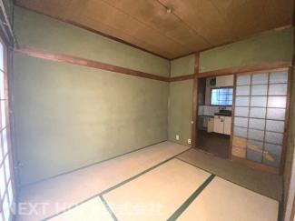 1階和室6帖です♪足を伸ばして寛げる居室です!!お好きなリフォームを楽しんでみませんか?収益としてもご検討下さい(^^)