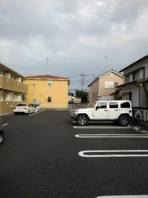 【駐車場】ヴィラKARASAWA B