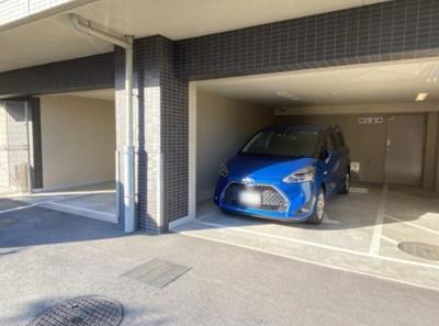 パレステージ青井ナチュラコートの駐車場です。