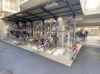パレステージ青井ナチュラコートの駐輪場です。
