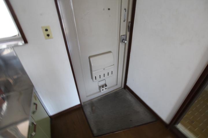 玄関はいって、荷物を置いて室内にいけるので、買い物後もスムーズです