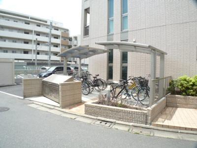 自転車置き場・ゴミステーション