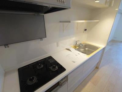 ルミエール千住のキッチンです。