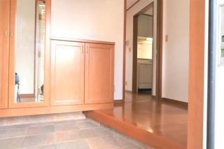 【玄関】グランファミーロ リ・スタイル鷹の台