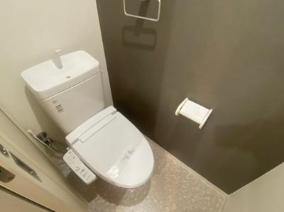 【トイレ】モノトーン難波