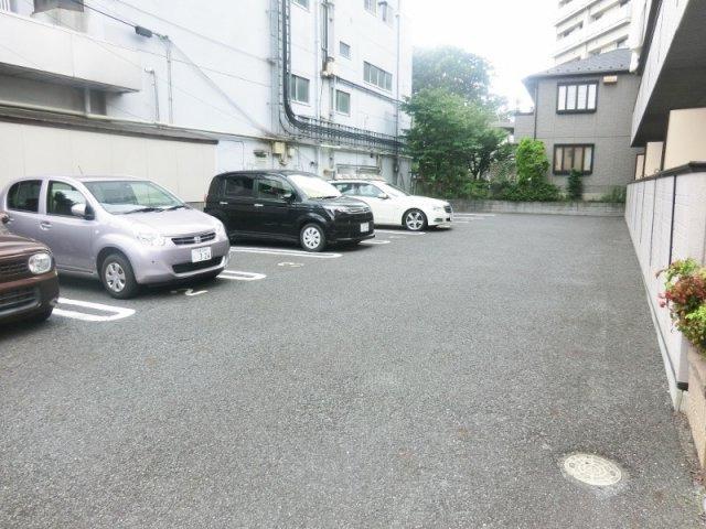 ☆敷地内駐車場完備☆