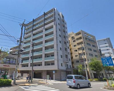 相鉄線「西横浜」駅徒歩8分、京急線「戸部」駅徒歩10分 2013年8月完成の築浅マンション