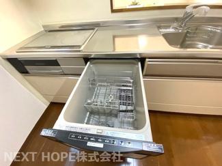 食器洗い乾燥機付きです♪忙しい奥様の強い味方ですね(^^)