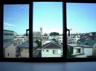 菱和パレス小竹向原の出窓です。