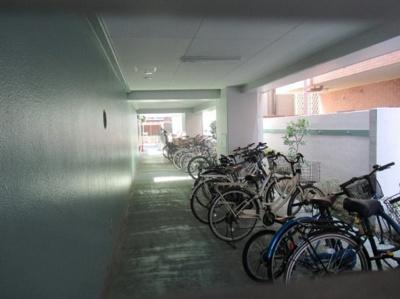 菱和パレス小竹向原の駐輪場です。