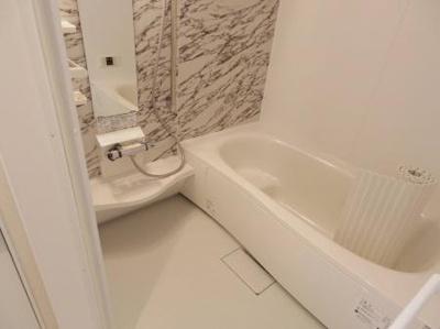 【浴室】ゼピュロス学園の森N