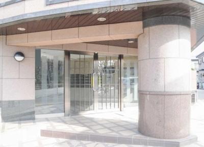 ライオンズマンション西高島平第3のエントランスです。