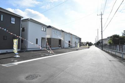 【前面道路含む現地写真】鴻巣市原馬室 新築一戸建て全7棟