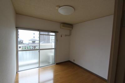 【洋室】コンフォートハウス