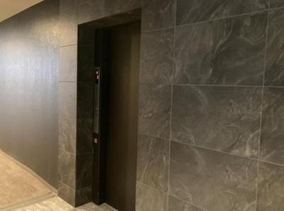 グランウィッシュ四ツ木のエレベーターです。