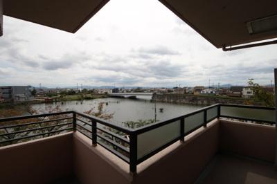 琵琶湖の内湖を眺める暮らし