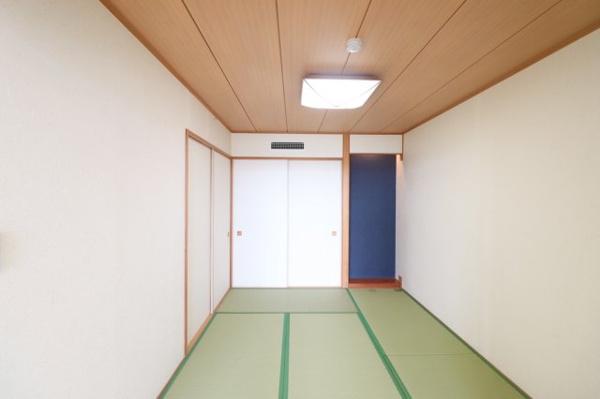 【和室】ゆったりとお寛ぎ頂ける、約5.8帖の和室です!