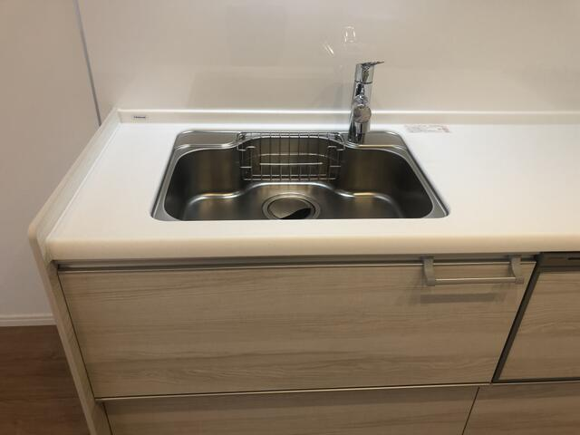 幅が広めのシンクは洗い物がしやすいです。