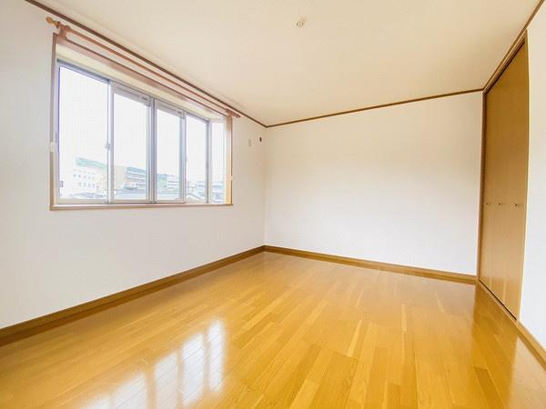 3階洋室8.4帖