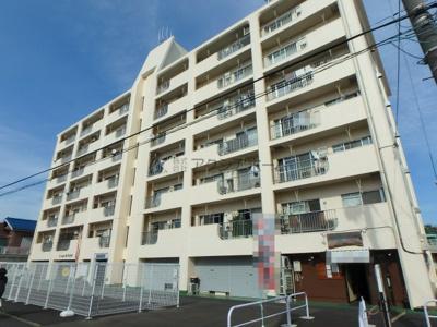 久米川駅徒歩8分・東村山市駅徒歩10分・八坂駅徒歩12分の好アクセスなマンションです。