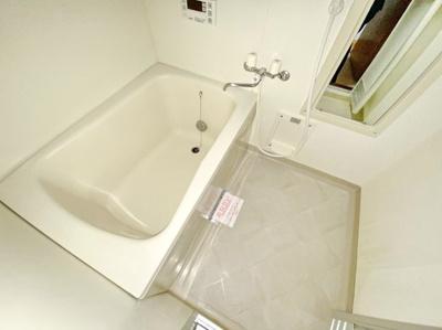 【浴室】ラフィネ・ヴィラ