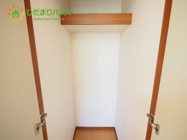 2階にもちょっとしたスペースは、 収納スペースになっていて、収納に困りません!!