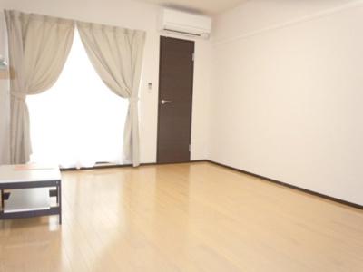 広々とした居室スペース